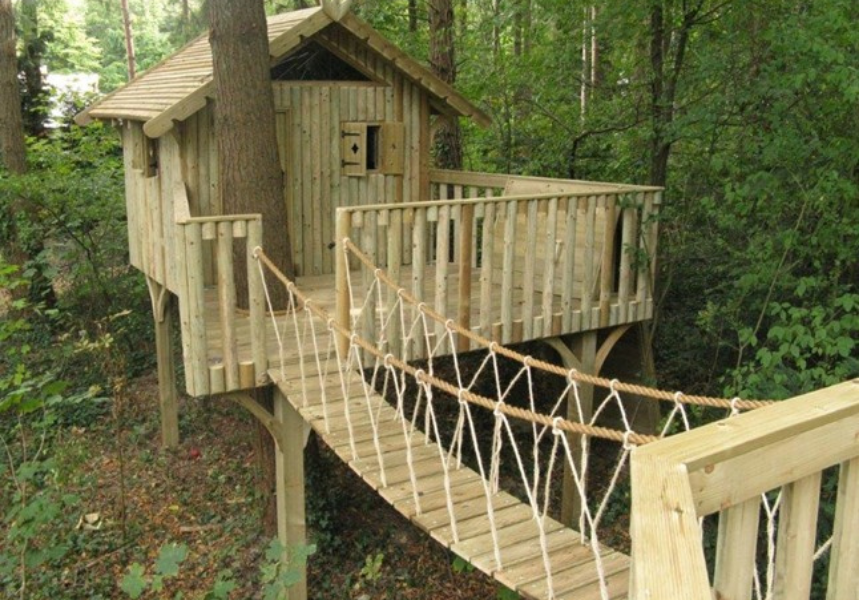 Example of a Cheeky Monkey Treehouse created using our rope