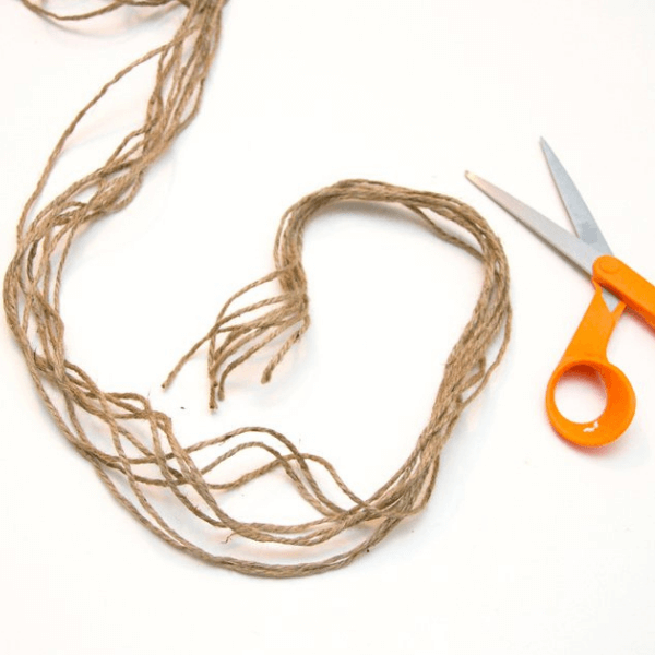Step 1 to make a rope hanger